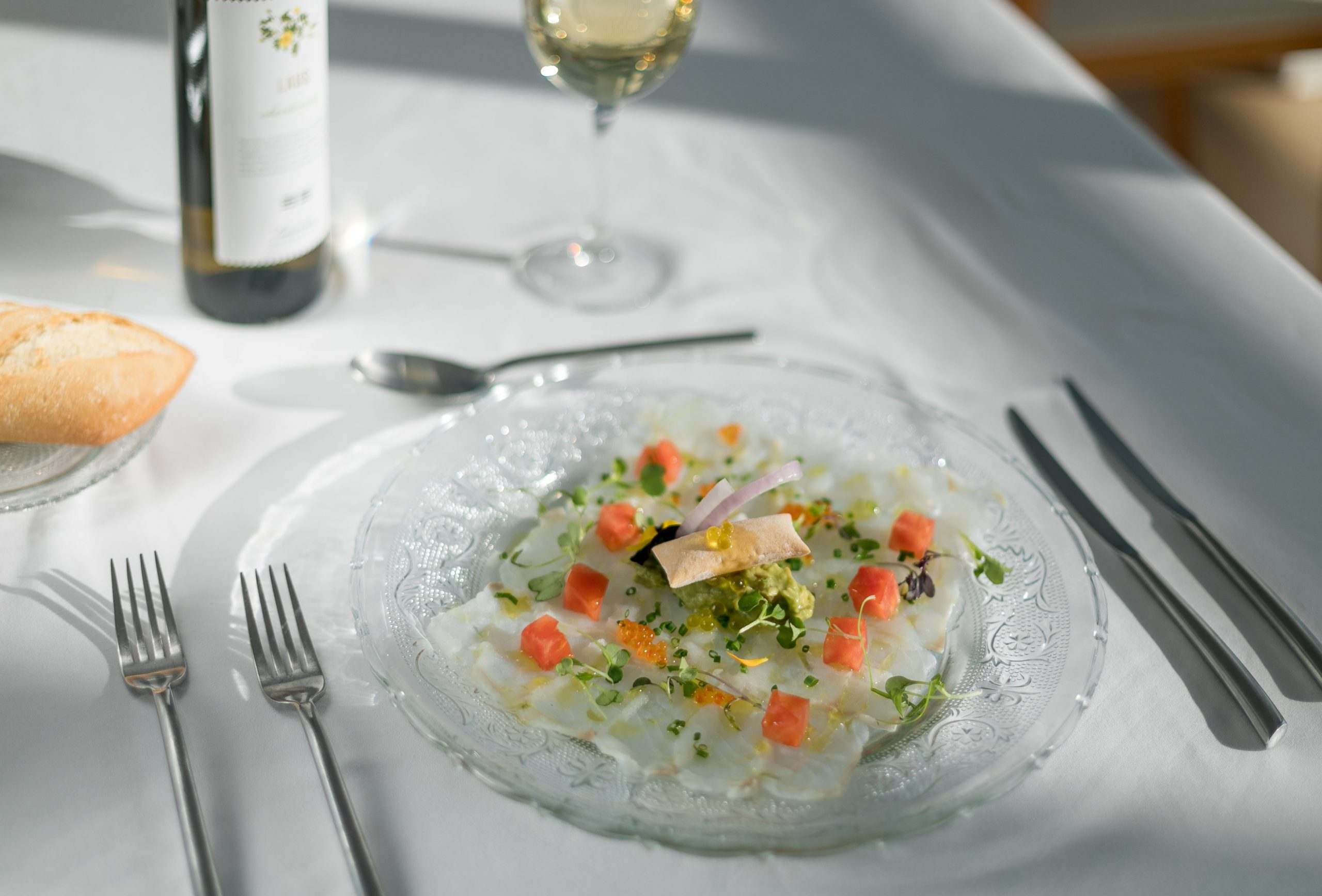 carpaccio de bacalao con ensalada